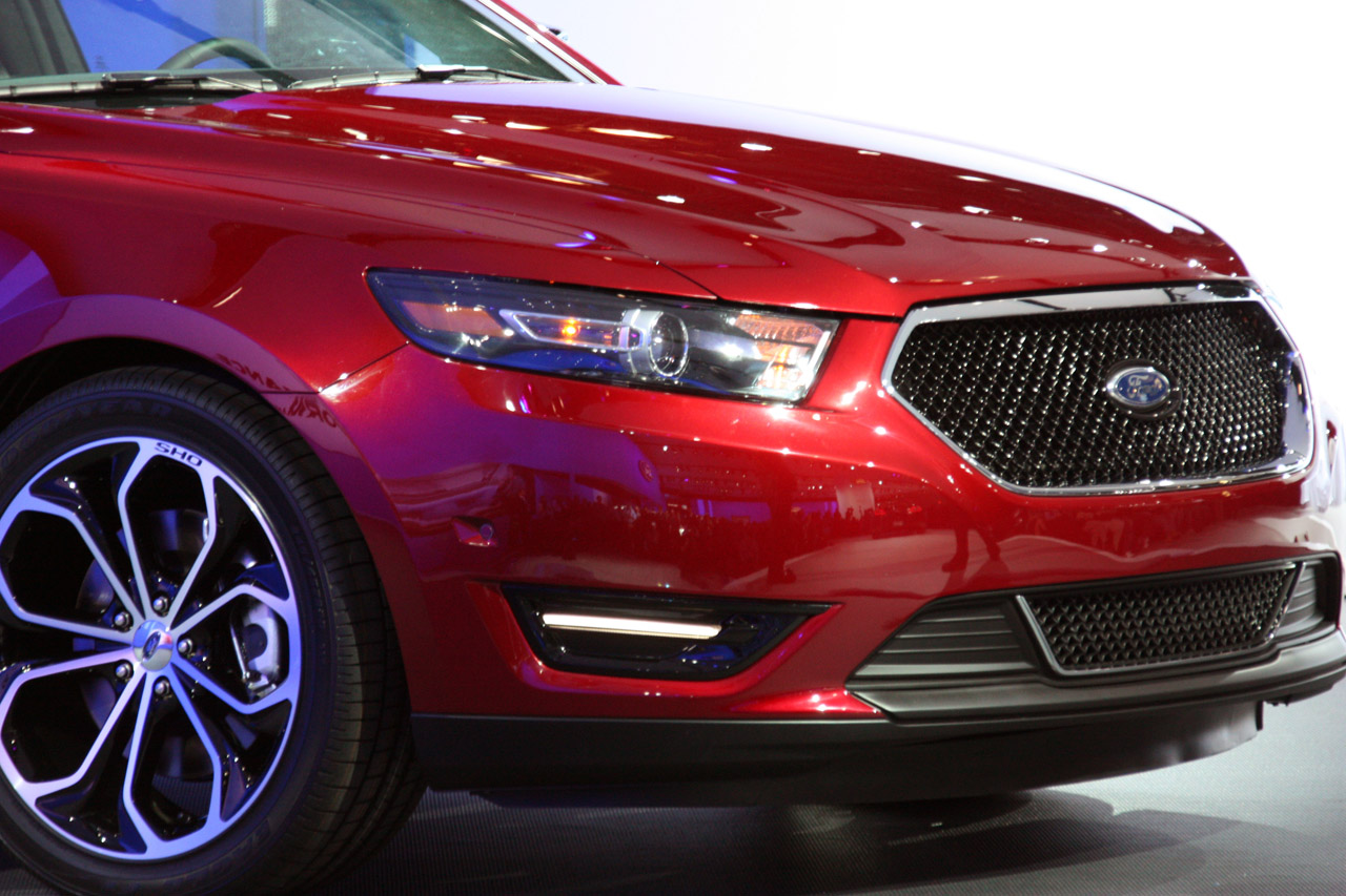 World Car Wallpapers 2013 Ford Taurus Photos - small