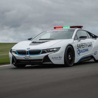 bmw i8 formula e safety car driven by bmwblog features