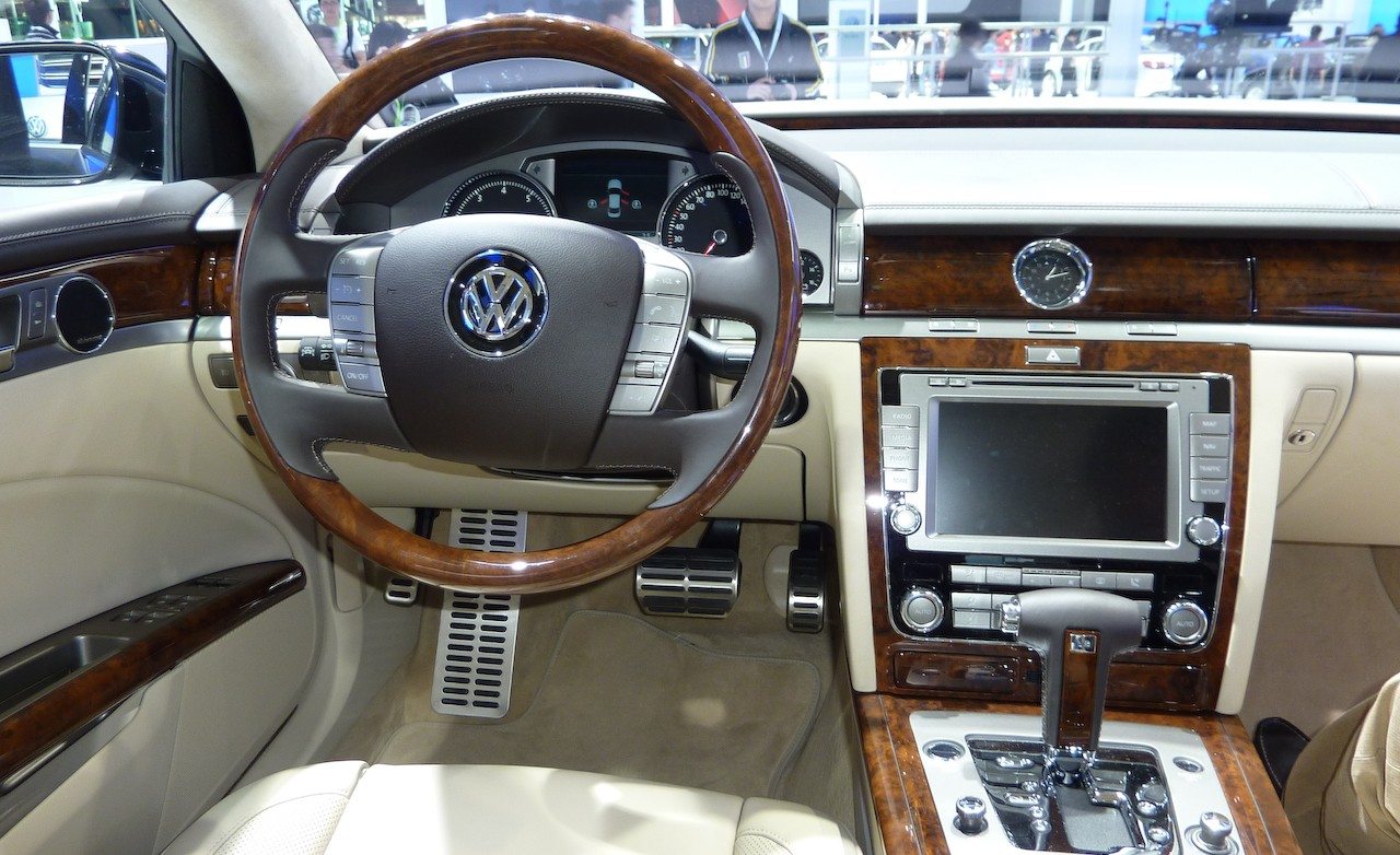 newcarbrain 2011 volkswagen phaeton show picture - small