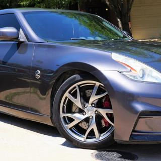 40th anniversary 370z matching set of wheels and a bit 2010 nissan edition