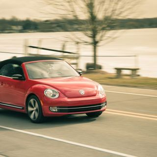 2013 volkswagen beetle turbo convertible test 8211 review r line - small