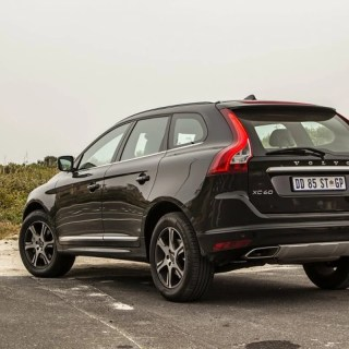 Volvo Xc60 D4 2014 Review Cars Co Za - small