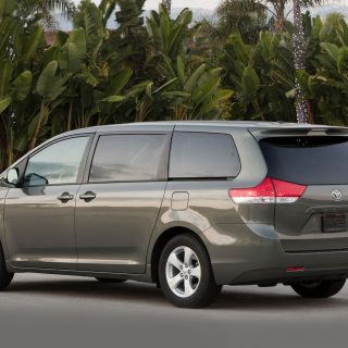 2013 toyota sienna reviews and rating motor trend awd vehicles - small