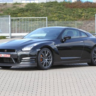 2013 Nissan Gt R Unveiled Automotorblog - small