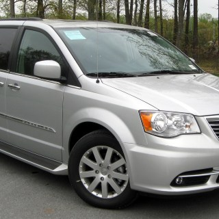 Chrysler town country wikipedia photos - small