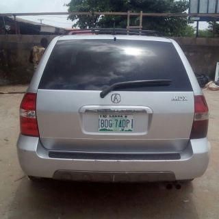 superclean acura mdx 03 forsale at a good price 1 250k