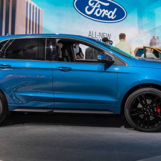 ford refreshes 2019 edge launches 335 hp st model new wallpaper