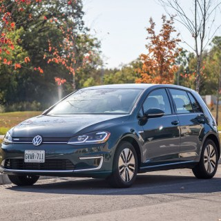 Review 2017 volkswagen e golf canadian auto - small