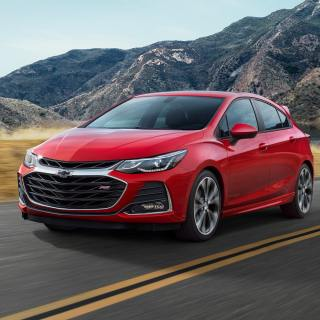 2019 Cruze Compact Car Available In Hatchback Sedan Small Sedans - small