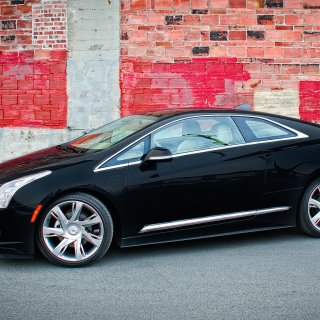 review 2014 cadillac elr performance specs