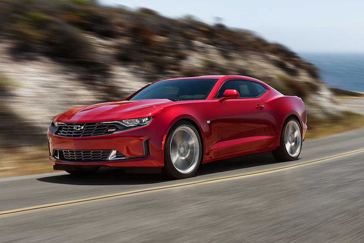 Holy hell the chevrolet camaro s coming back to features - small