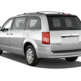 2010 chrysler town country pictures photos gallery the - small