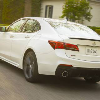 2019 acura tlx expands a spec trim to four cylinder models 4 - small